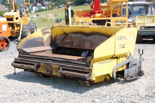 Asphalt paver ( finisher ) Gehl 1448 used