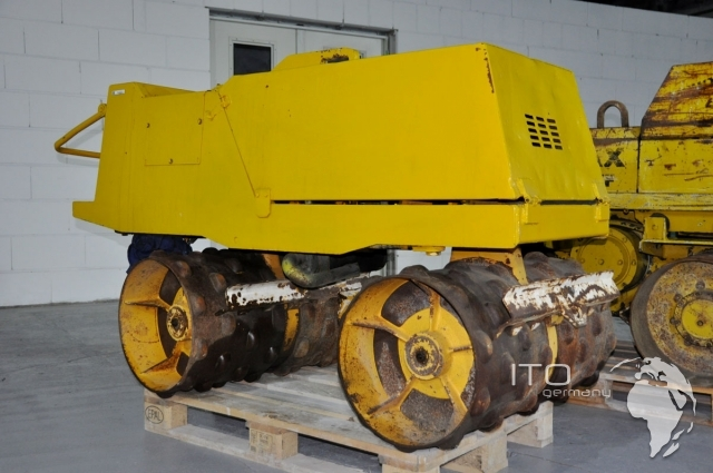 Gebrauchte Walze on An Machinery Trench Roller Fuel Tank Capacity