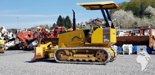 used crawler tractor Komatsu d21a 7e to sell